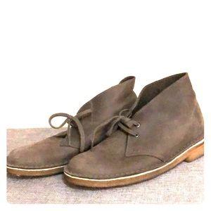 Clarks Women's Originals Desert Boots Gray